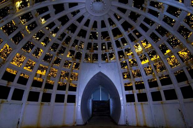 8 волшебных фото подводного бального зала 19 века, который построил мошенник