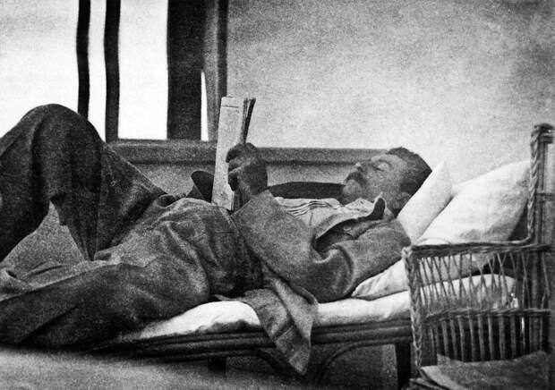 Какие книги читал Сталин, и как своими знаниями ставил в неловкое положение других