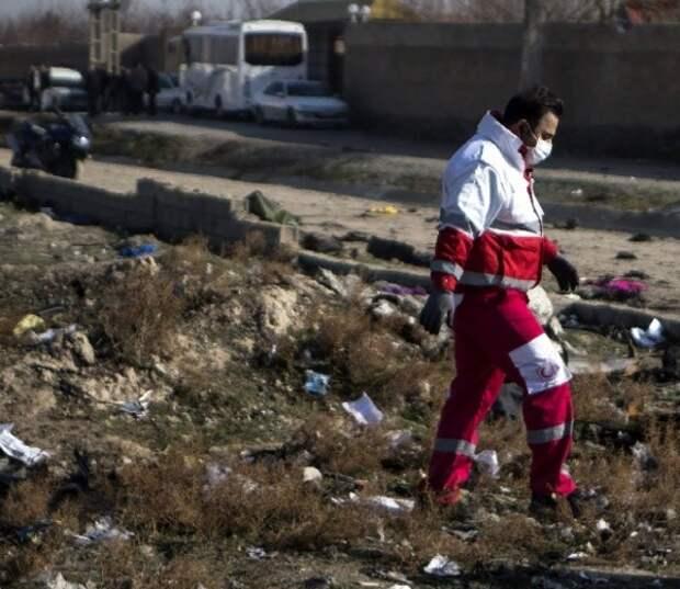 Иран не намерен передавать США чёрные ящики разбившегося самолёта