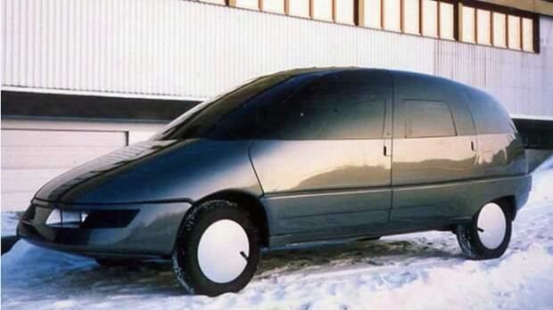 На фото: перспективный автомобиль «Охта» (ходовой макет)