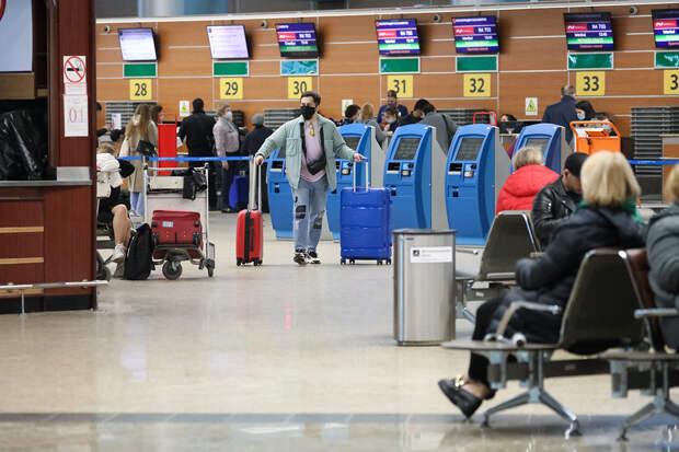 Непривитых россиян могут не выпустить за границу
