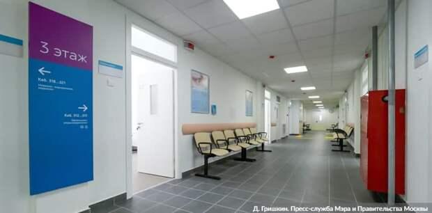 Собянин осмотрел итоги реконструкции поликлиники на севере Москвы. Фото: Д. Гришкин mos.ru