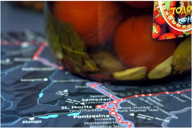 Маринованные помидоры доставляют спецрейсами на швейцарские курорты