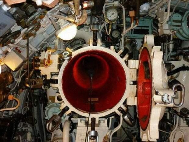 Торпедная труба британской подводной лодки армия, подводные лодки, флот