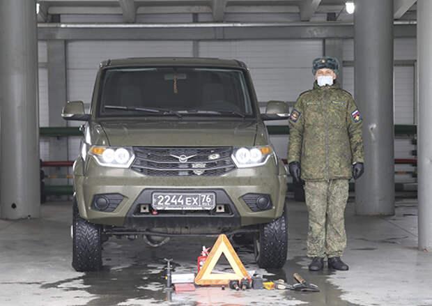 В Энгельсском соединении дальней авиации более 1 тыс. личных автомобилей военнослужащих прошли проверку