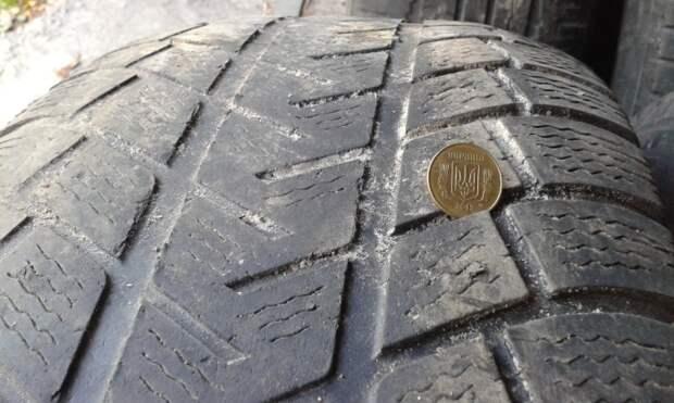 Правильное решение: на какую ось ставить более стертую пару колес