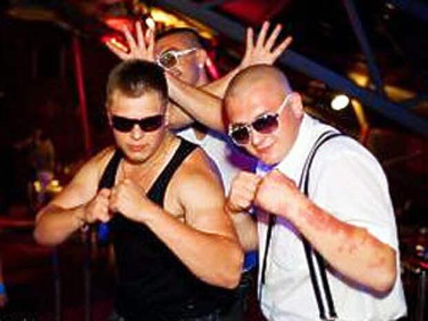 Сергей Цапок в ночном клубе «Стена»