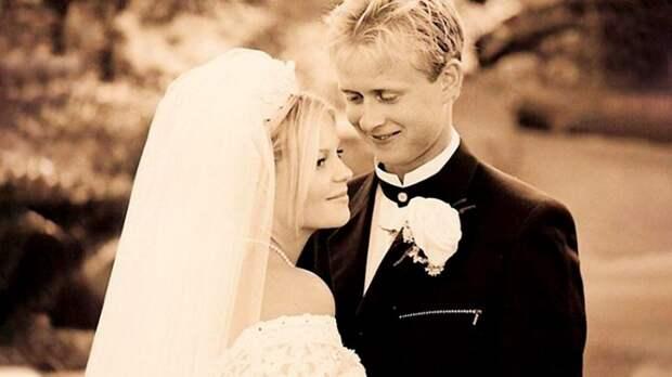 Шикарная свадьба русского хоккеиста Буре и американской актрисы. Пышное платье, огромный торт, стильный жених: фото