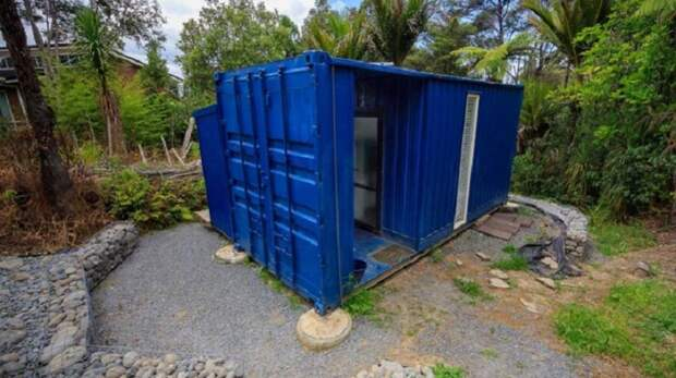 Женщина проектирует контейнеры под жилье и сама живет в одном из них!