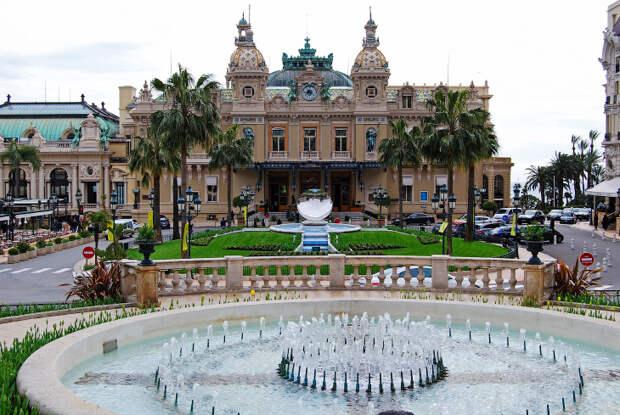 Прогулка по казино «Монте-Карло» в Монако