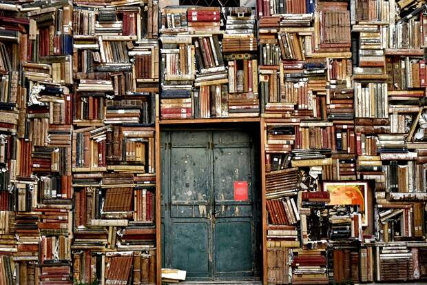 В Калининграде из-за книги со свастикой отменили выставку букварей
