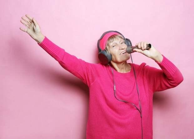 Пенсионеры Ярославки развивают вокальные данные