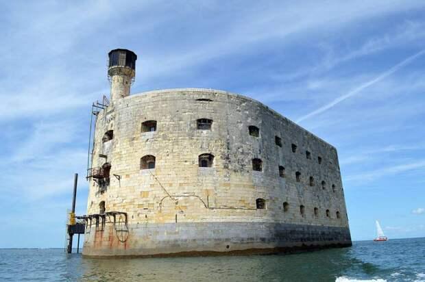 Бесполезный форт известный всем. Форт Боярд