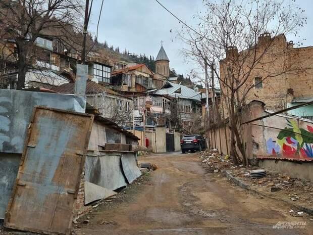 «Брат, трусы надень». Грузия зовет Россию врагом, но имеет с нее миллиарды