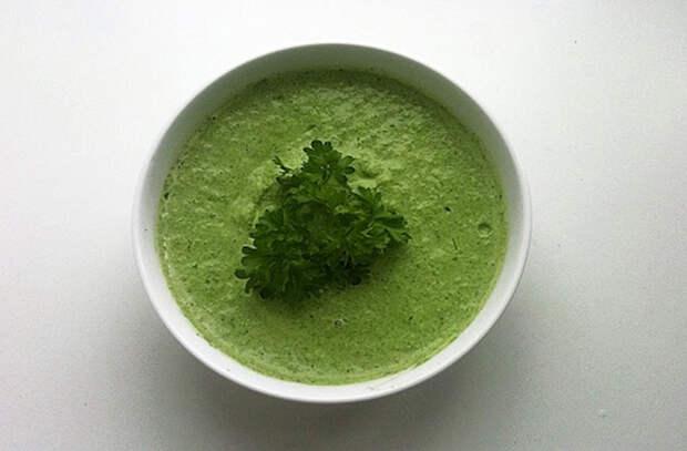 Секундные зеленые соусы, которые можно готовить только летом