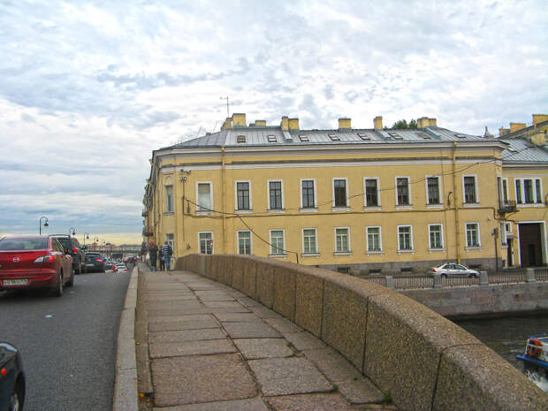 Наб._Кутузова_36_01 Прачечный мост.jpg