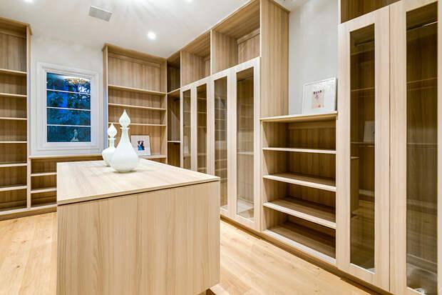 В гостях у Кэмерон Диас и Бэнджи Мэддена: экскурсия по новому особняку пары в Беверли-Хиллз