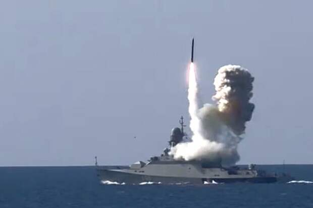 Кто в Чёрном море хозяин? Российские фрегаты сорвали учения НАТО.