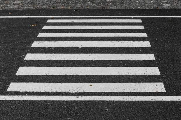 Пешеходы-нарушители облюбовали дорогу у метро «Алтуфьево»