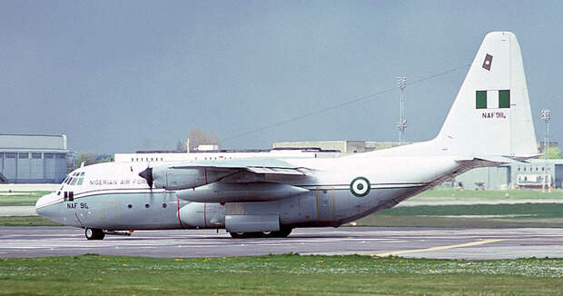 Lockheed_C-130H_Hercules_(L-382),_Nigeria_-_Air_Force_AN1289371