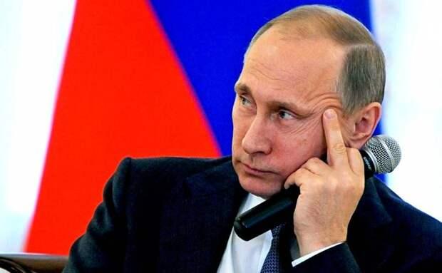 Почему Путин всегда опаздывает?