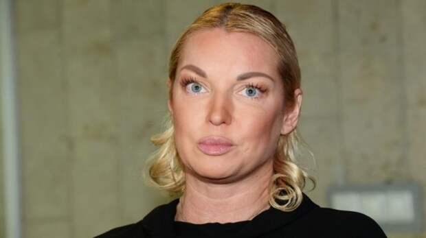 Фанаты Волочковой не хотят видеть её кривые ноги (ФОТО)