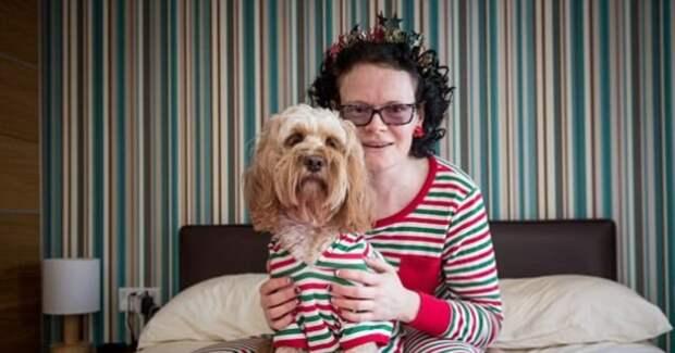 """68 подарков под елкой женщина оставила не для мужа и сына, а для любимой собаки! """"Я люблю Лолу больше, чем сына"""", – признается женщина!"""