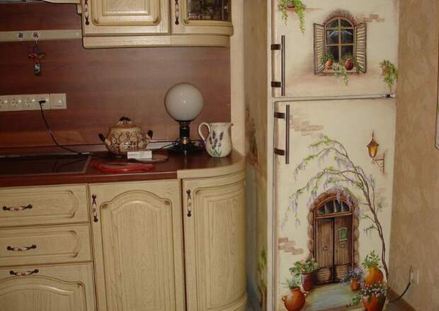 Обновляем старую кухонную мебель в технике декупаж