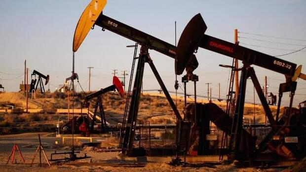 На600 тысяч б/с рухнула добыча нефти вСША заминувшую неделю