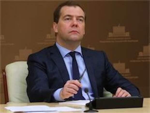 Новость на Newsland: Медведев: Порошенко лично отвечает за новые жертвы на Украине