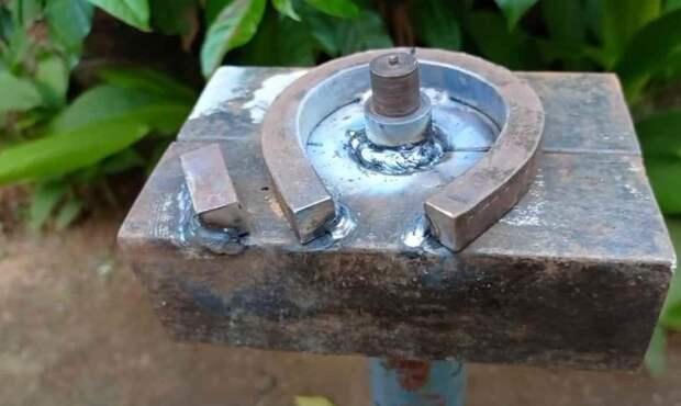 Мини станочек для сгибания квадратного прутка