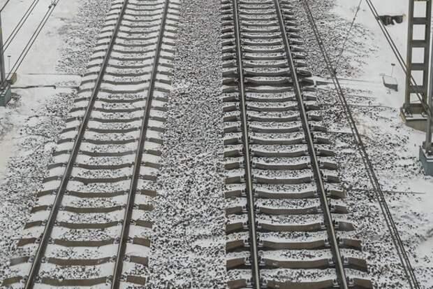 Поезд-экспресс из Киева сошел с рельсов на станции Дарница
