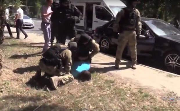 В Ростове задержали мошенников, инсценировавших аварии