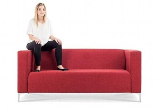 Тест – То, как вы сидите на диване, говорит о ваших уникальных качествах