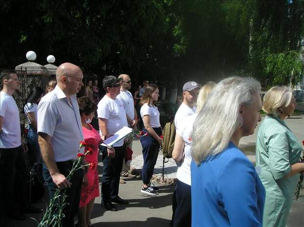 В Симферополе установили мемориальные доски участникам Великой Отечественной