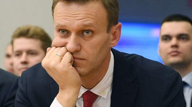 Андронов — о приговоре Навальному: «Нас тащат в прошлое, где вертухаи, Сталин, «честные» суды и колбаса из дерьма»