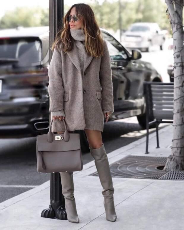 Как носить пальто с сапогами