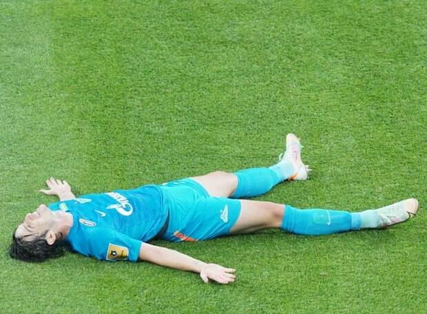 «Клаудиньо точно не пляжный игрок. Крицюк еще вернется в сборную. Но не захандрит ли теперь Азмун?» Известный агент оценил трансферную кампанию «Зенита»