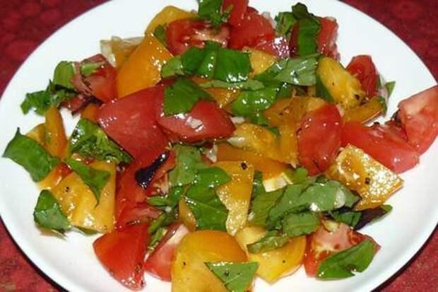 Фото к рецепту: Летний салат за 3 минуты