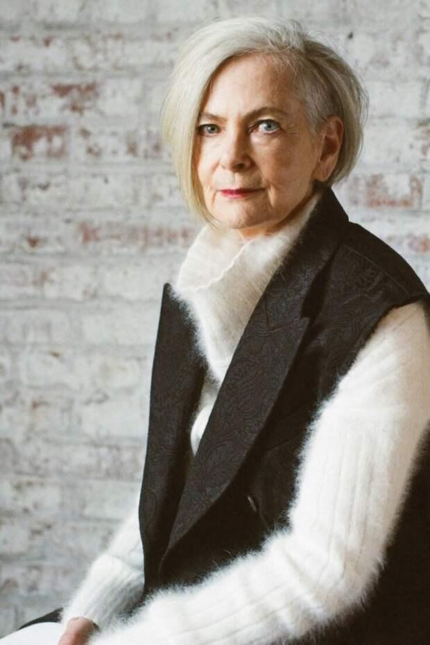 Модный свитер: примеры удачных образов на примере знаменитостей