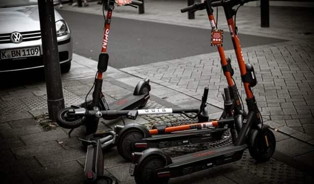 Неуправляемые самокаты: кто обуздает новый вид транспорта