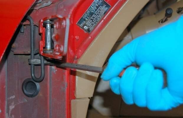 Как починить просевшую автомобильную дверь за пару минут и без лишних хлопот