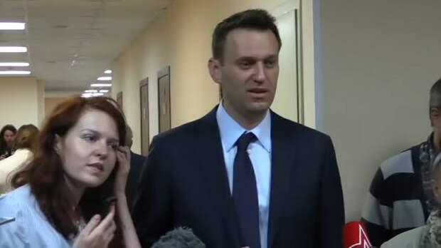 """""""Алексей Навальный дышит сам, стабилизирован"""": Венедиктов сделал заявление """"изнутри больницы"""""""