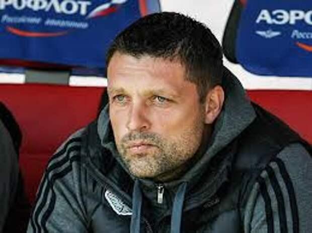 Черевченко начал в «Химках» с победы над «Динамо». А над головой Новикова снова сгустились тучи