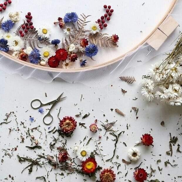 Вышивка сухоцветами (подборка)