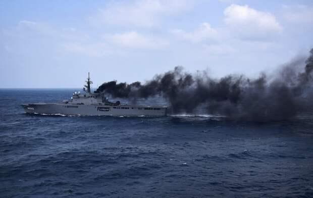 Аvia.pro: Минобороны Украины сообщило о пожаре на корабле ЧФ РФ