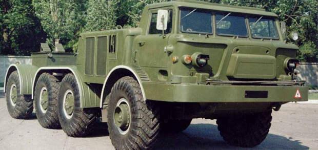 ЗИЛ-135: первый тягач, созданный для Холодной войны