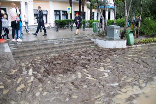 Десятки поселков Большой Ялты и Алушты пострадали от потопа