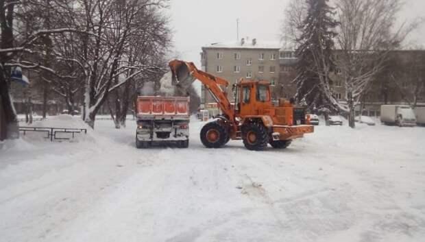 Более 900 кубометров снега вывезли с улиц и дворов Подольска 31 января