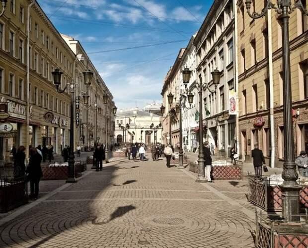 """Беглов назвал """"поспешным"""" закон о питейных заведениях в жилых домах Петербурга"""